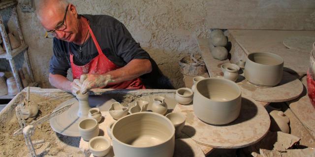 Ceramiste Atelier Poterie Massucco Ceramique Argile Aubagne Oti Aubagne