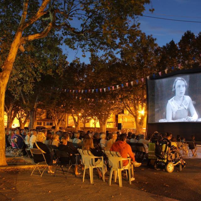 Cinema Plein Air Soiree Ete Auriol Oti Aubagne