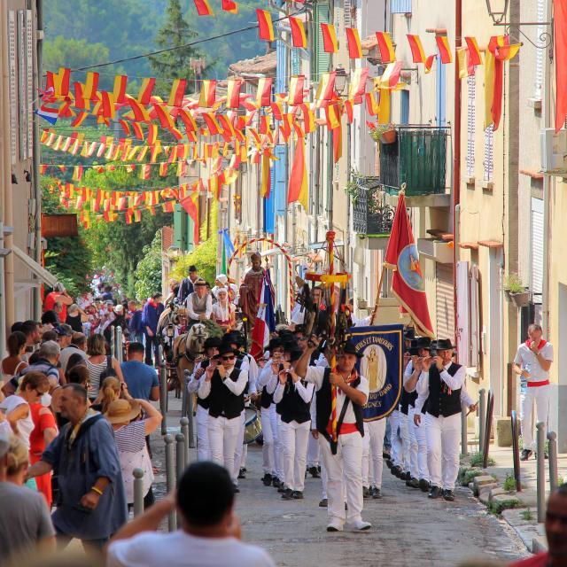 Fifre Cavalcade Tradition Provence Cuges Les Pins Oti Aubagne