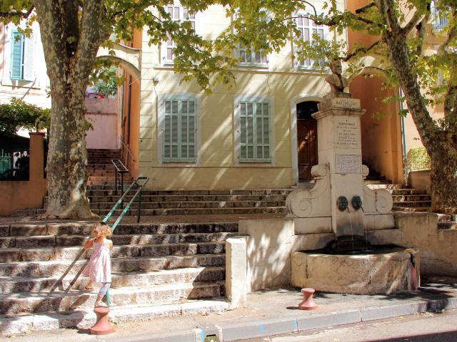Fontaine barthélémy centre historique Aubagne-OTI_Aubagne