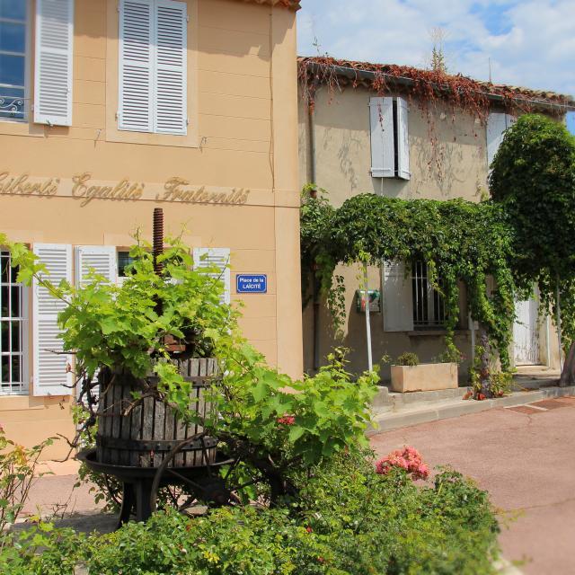 Place Mairie Belcodene Oti Aubagne
