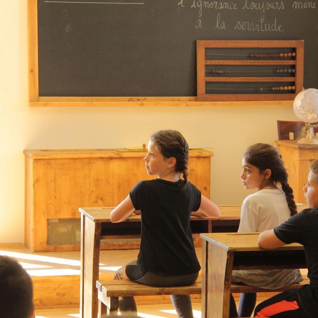 Scolaires Enfants Culture Animation Classe Ancienne Pagnol Chateau Buzine Oti Aubagne