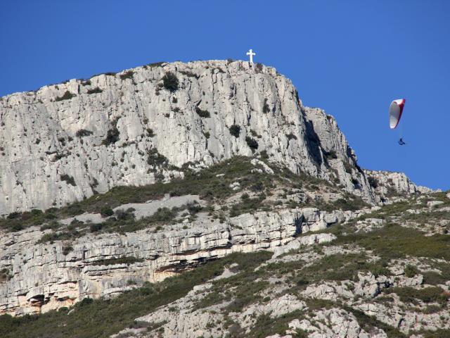 Sommet Du Garlaban Croix Massif De L'etoile Parapente Nature Oti Aubagne