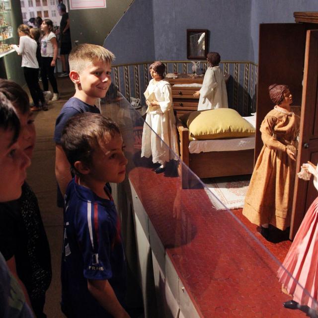 Visite Enfants Santons Di Landro Argile Oti Aubagne