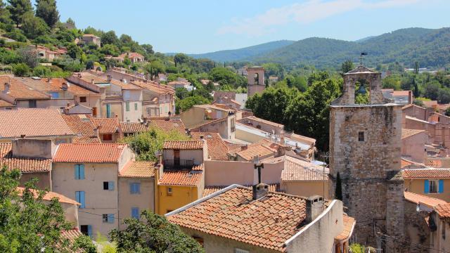 Panorama sur le centre ville d'Auriol OTI_Aubagne